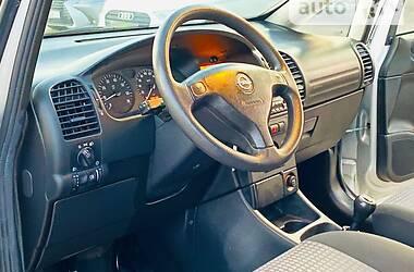 Минивэн Opel Zafira 2003 в Харькове