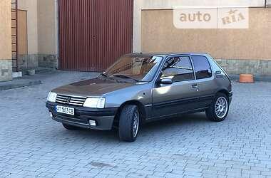 Peugeot 205 1987 в Коломые