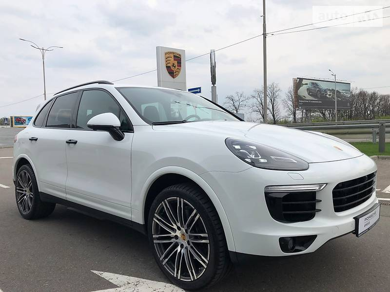 Porsche Cayenne 2017 року
