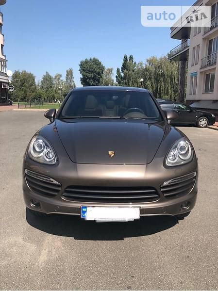 Porsche Cayenne 2013 года в Киеве