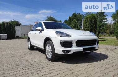 Porsche Cayenne 2015 в Черновцах