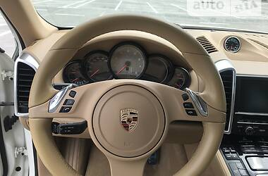 Внедорожник / Кроссовер Porsche Cayenne 2012 в Киеве