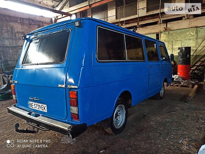 Легковий фургон (до 1,5т) РАФ 2203 1990 в Миколаєві