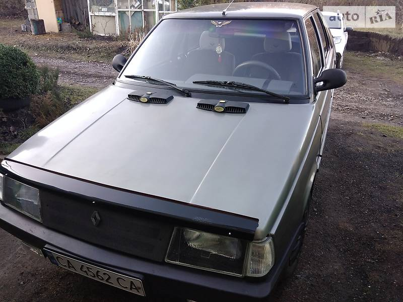 Renault 11 1986 в Каменке