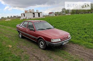 Renault 21 1988 в Гоще