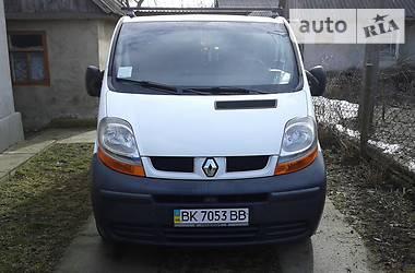 Renault Trafic пасс. 2003 в Корце