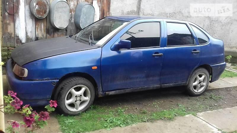 SEAT Cordoba 1994 року