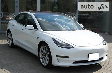 Tesla Model 3 Dual Motor Long Range 2018 в Днепре