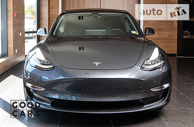 Tesla Model 3 Dual Motor Long Range 2018 в Одессе