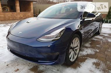 Tesla Model 3 Long Range 2018 в Черновцах