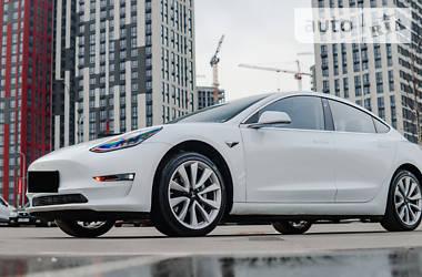 Седан Tesla Model 3 2018 в Києві