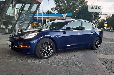 Хетчбек Tesla Model 3 2018 в Дніпрі