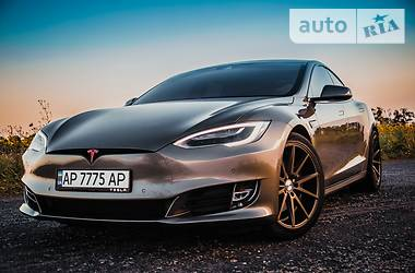 Tesla Model S P90D 2017 в Киеве