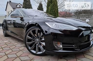 Седан Tesla Model S 2013 в Вінниці