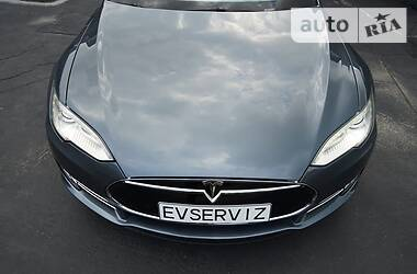 Седан Tesla Model S 2013 в Киеве
