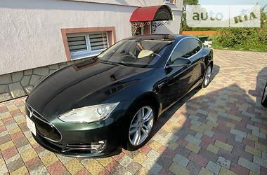 Седан Tesla Model S 2013 в Калуше