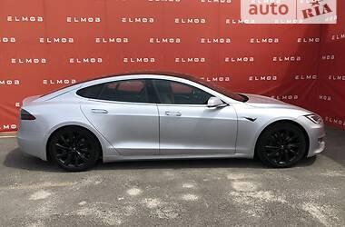 Седан Tesla Model S 2018 в Киеве