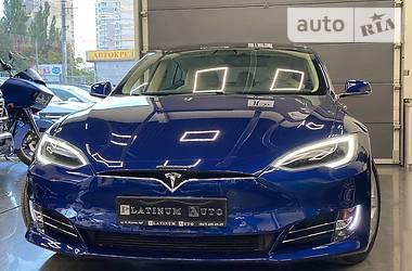 Седан Tesla Model S 2017 в Одессе
