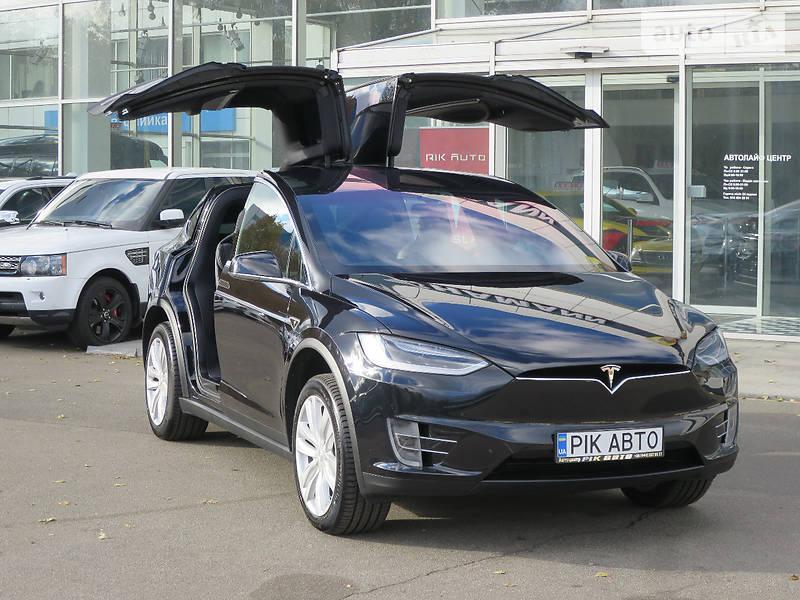 Tesla Model X 90D 2017 года в Киеве