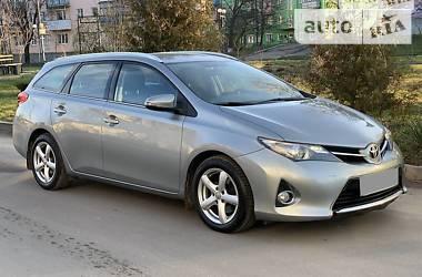 Toyota Auris 2013 в Кривом Роге
