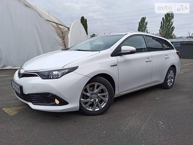 Универсал Toyota Auris 2016 в Киеве