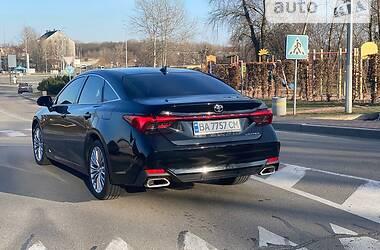 Toyota Avalon 2018 в Киеве