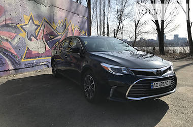 Седан Toyota Avalon 2017 в Днепре