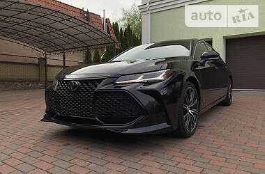 Toyota Avalon 2019 в Киеве