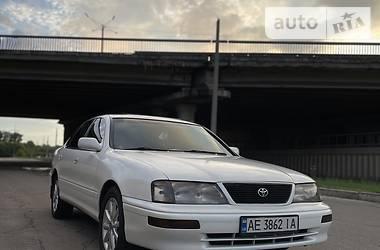 Седан Toyota Avalon 1995 в Кам'янському