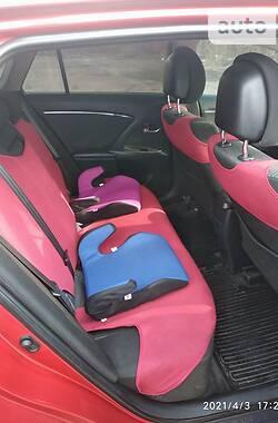 Унiверсал Toyota Avensis 2010 в Зборові