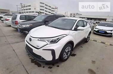 Внедорожник / Кроссовер Toyota C-HR 2020 в Киеве