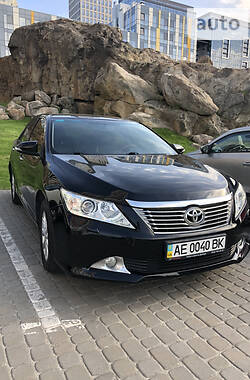 Седан Toyota Camry 2012 в Днепре