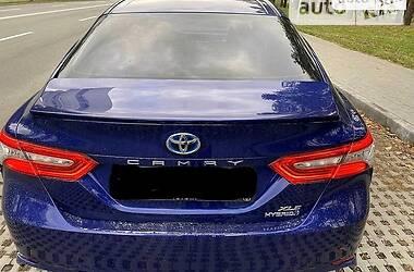 Седан Toyota Camry 2017 в Киеве