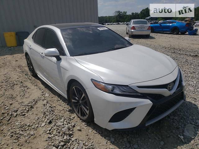 Седан Toyota Camry 2018 в Києві
