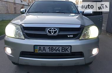 Toyota Fortuner 2005 в Киеве