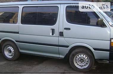 Toyota Hiace пасс. 1998 в Киеве