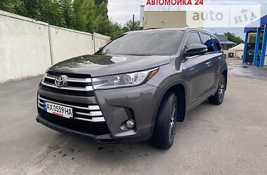 Внедорожник / Кроссовер Toyota Highlander 2017 в Харькове