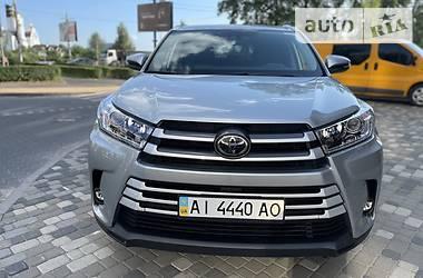 Внедорожник / Кроссовер Toyota Highlander 2018 в Киеве