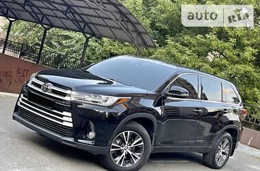 Унiверсал Toyota Highlander 2018 в Києві
