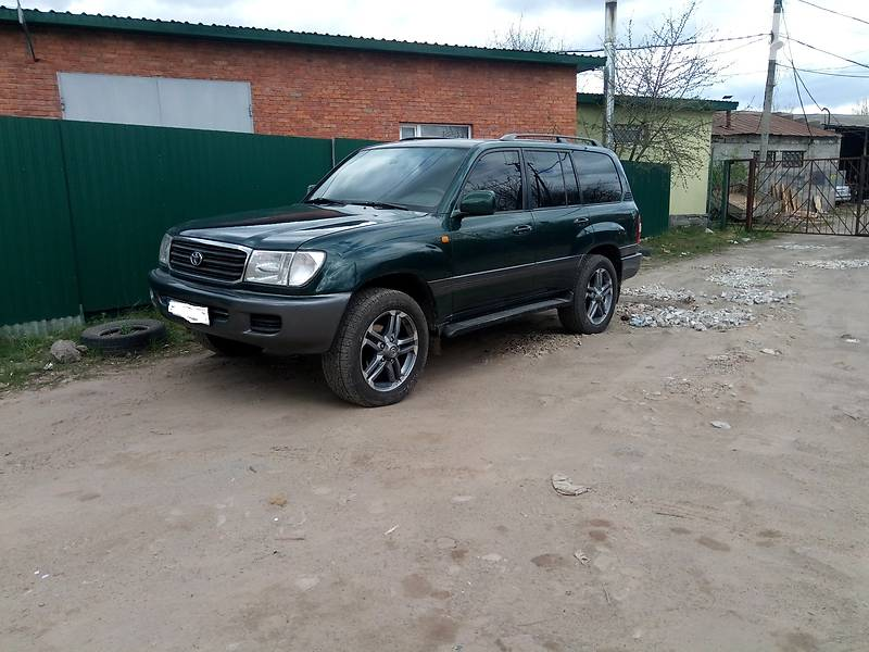 Toyota Land Cruiser 100 1998 в Сумах