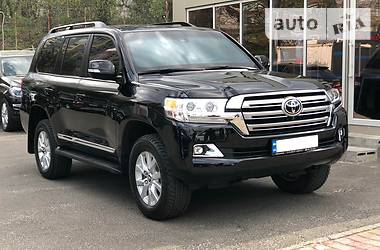 Toyota Land Cruiser 200 2017 в Киеве