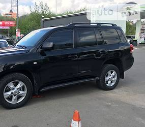 Toyota Land Cruiser 200 2010 в Киеве