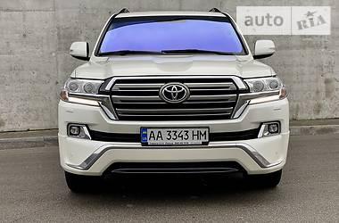 Внедорожник / Кроссовер Toyota Land Cruiser 200 2016 в Киеве