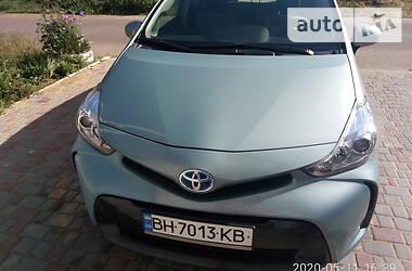 Хэтчбек Toyota Prius v 2016 в Одессе