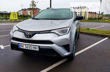 Позашляховик / Кросовер Toyota RAV4 2018 в Рівному