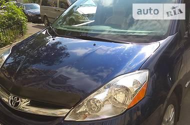 Минивэн Toyota Sienna 2007 в Киеве
