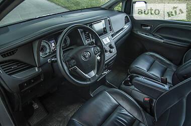 Минивэн Toyota Sienna 2017 в Киеве