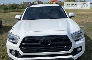 Пікап Toyota Tacoma 2017 в Ужгороді