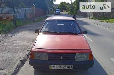 Хэтчбек ВАЗ 2108 1992 в Львове