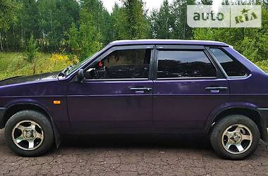 Седан ВАЗ 21099 1998 в Глухове